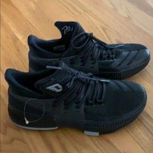 NWT Adidas Dame 3 Lillard basketball sneakers